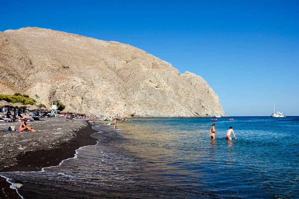 black beaches is one of the things to do in santorini