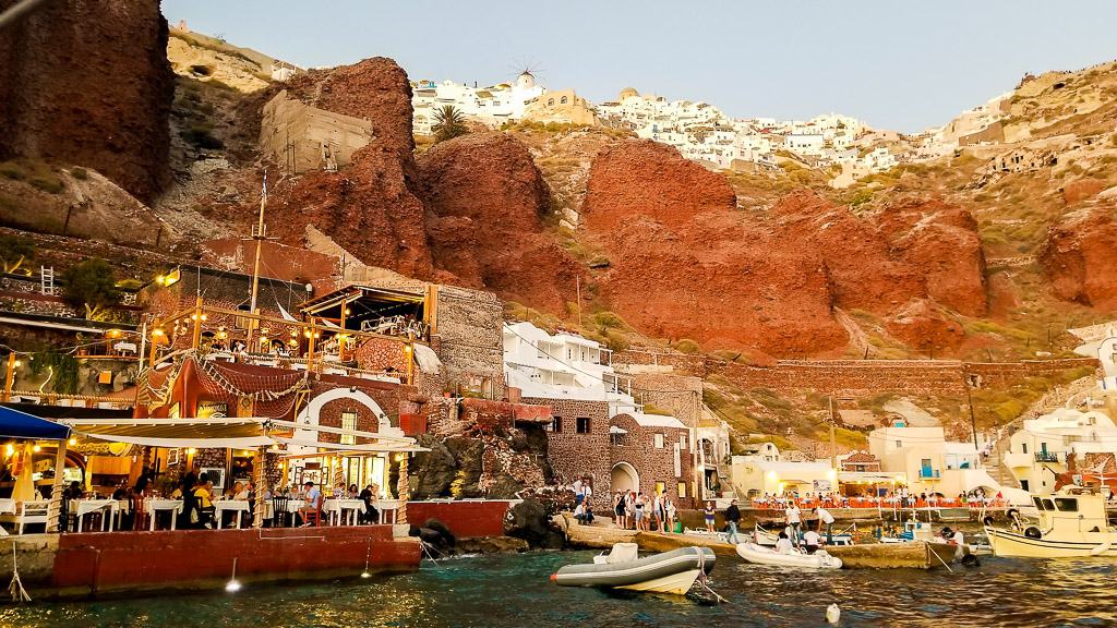 seeing amoudi bay is one of the things to do in santorini