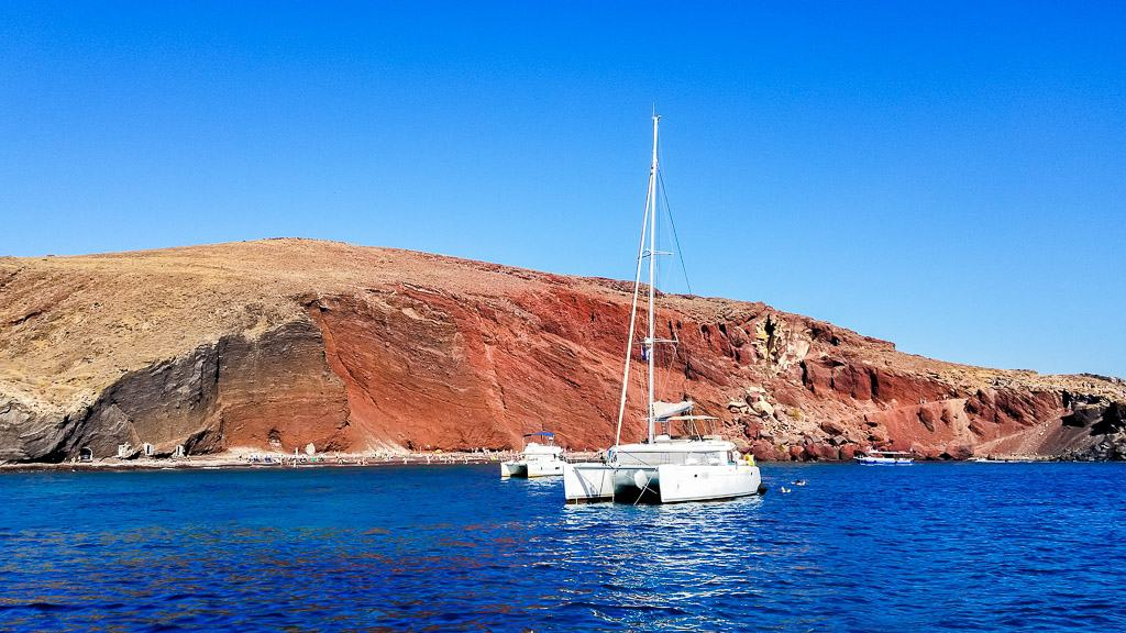 cruising is one of the things to do in santorini