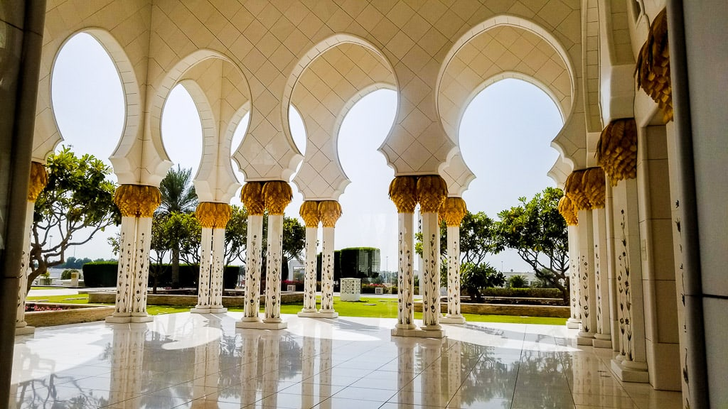 The grand columns decorating the Sheikh Zayed Grand Mosque