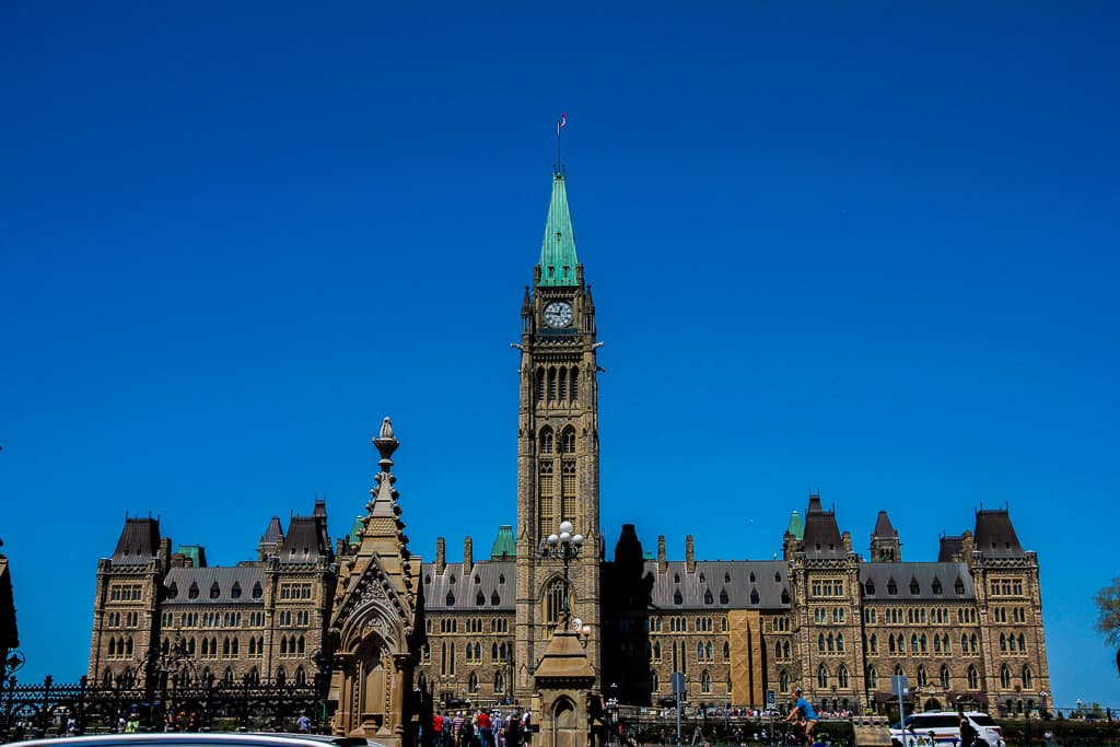 Taking In The Parliament of Canada Tour and How To Get In For Free!