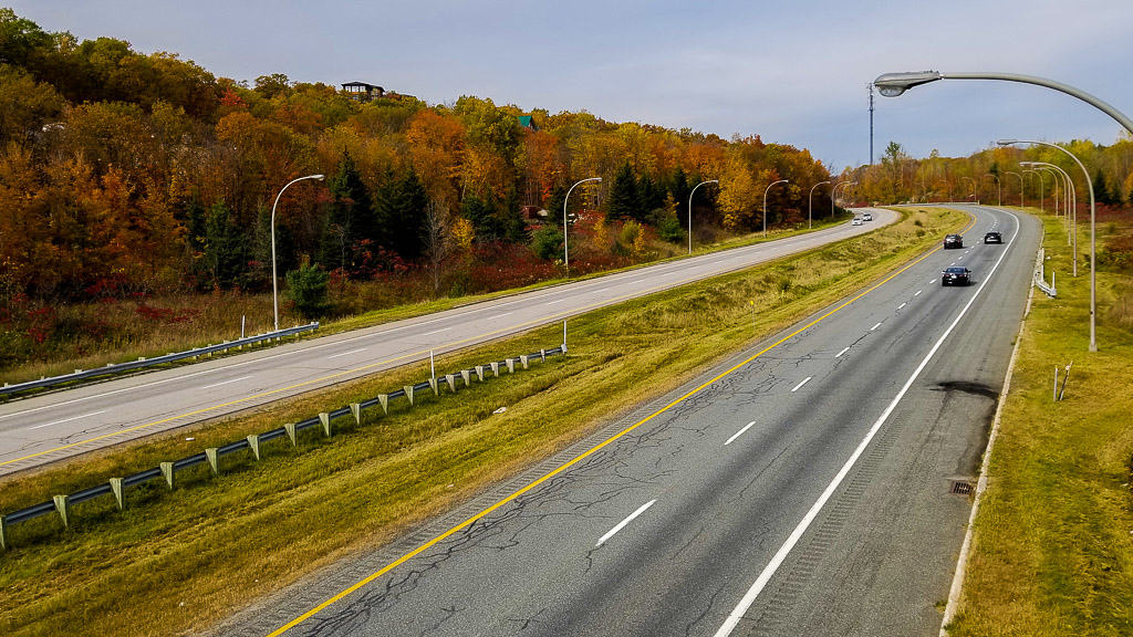 Going for a drive is one of the things to do in Ontario this fall