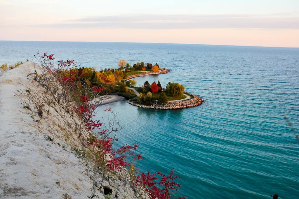 Hiking Scarborough Bluffs is one of the things to do in Toronto this fall