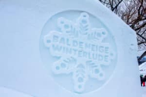 Visiting Winterlude is one of the things to do in Ontario this winter