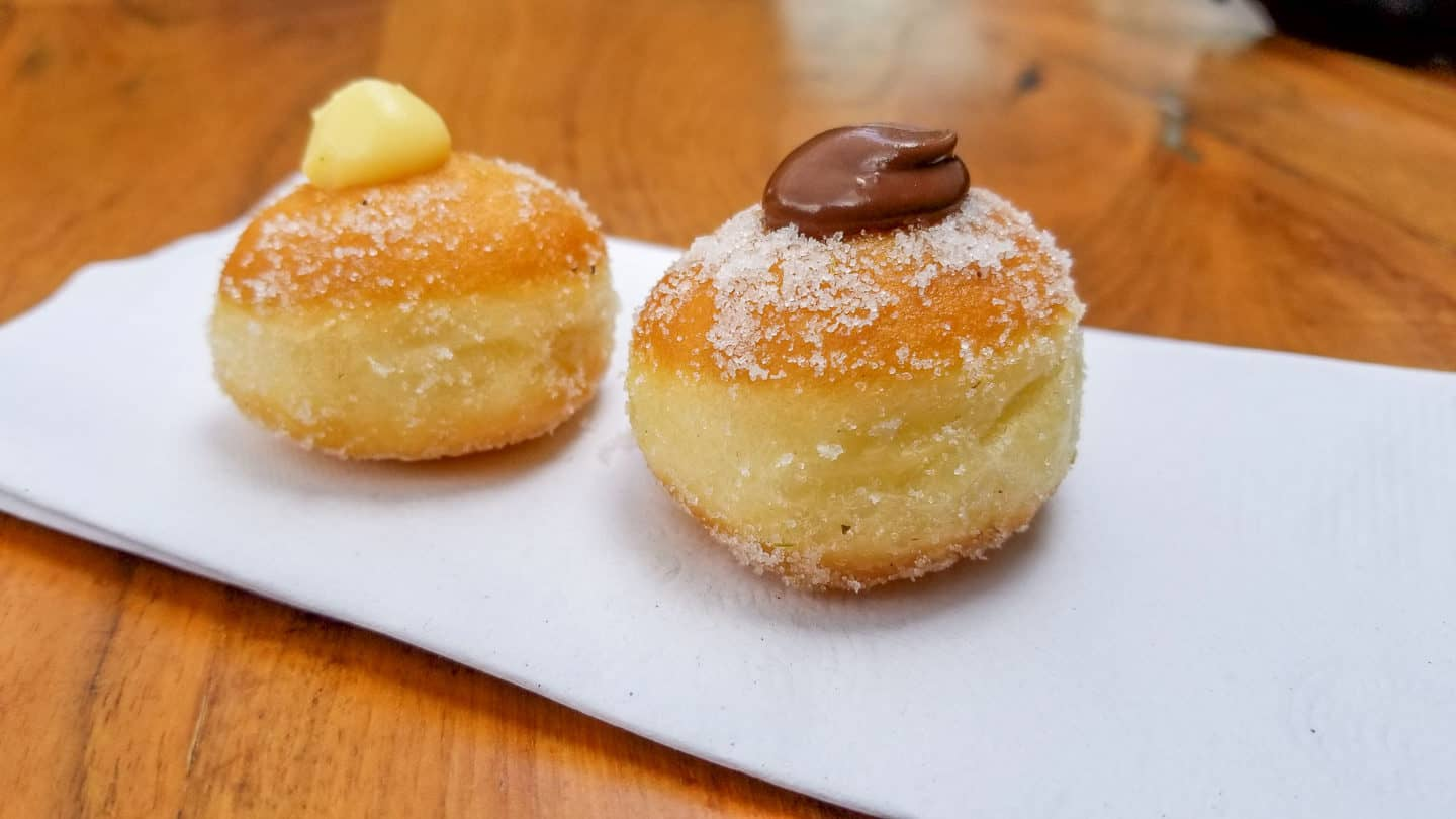 The mini donuts at Sud Forne are some of the best donuts Toronto has to offer